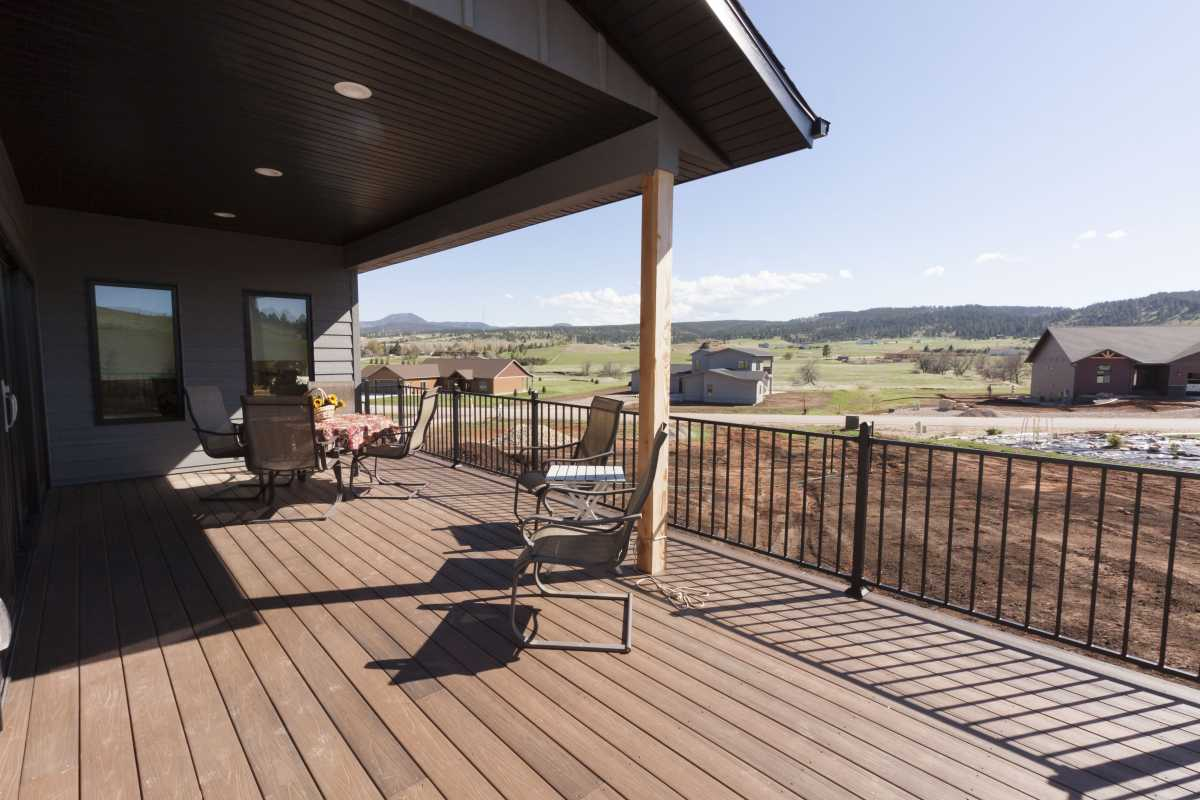 The spacious deck is compimented by its beautiful views.